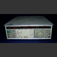 FLUKE 6070A Synthesized RF Signal Generator FLUKE 6070A Strumenti
