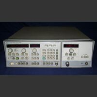 HP 8350CB  RF Plug-in HP 83590A Sweep Oscillator  HP 8350CB + RF Plug-in HP 83590A Strumenti