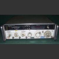 HP 8640B Signal Generator HP 8640B  opt. 001 Strumenti