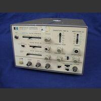 HP 8012B Pulse Generator HP 8012B Strumenti