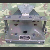 Base antivibrante SP-203A Base antivibrante SP-203A Apparati radio militari
