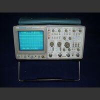 TEK 2465B Oscilloscope TEKTRONIX 2465B Strumenti