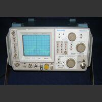 TEKTRONIX 492 Spectrum Analyzer  TEKTRONIX 492 Strumenti