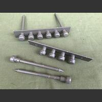 CL 811 Staffa metallo per fune  CL 811 Accessori per apparati radio Militari