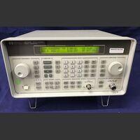 HP 8648B Signal Generator HP 8648B Strumenti