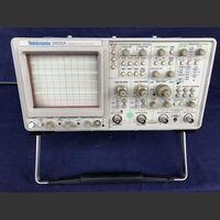 TEKTRONIX 2465A Oscilloscope TEKTRONIX 2465A Strumenti