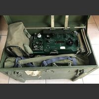 R-107 T Ricetrasmettitore  R-107 T Ricetrasmettitore spalleggiabile di produzione Russa. Apparati radio