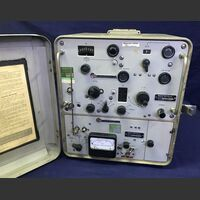 MOTOROLA model T1020A Frequency & Deviation Meter -vintage- MOTOROLA model T1020A Accessori per apparati radio Militari