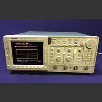 TEKTRONIX TDS 754C Color Four Channell Digitizing Oscilloscope  TEKTRONIX TDS 754C Strumenti