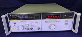 HP 8672A Synthesized Signal Generator HP 8672A Strumenti