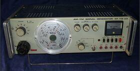 UNAOHM EP112 AR AM/FM Signal Generator UNAOHM EP112 AR Strumenti