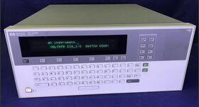 HP 75000 serie B HP E1301A Mainframe HP 75000 serie B HP E1301A Strumenti
