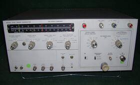 WILTRON mod. 610D Sweep Generator WILTRON mod. 610D Generatori RF - AF - SWEEP