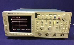 TEKTRONIX TDS 754C Color Four Channell Digitizing Oscilloscope TEKTRONIX TDS 754C Strumenti
