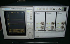 11403A TEKTRONIX 11403A Color Digitizing Oscilloscope Usata-Revisionata