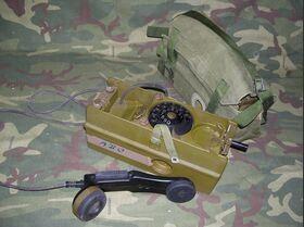 FT-58/72 Telefono da campo DANESE con combinatore FT-58/72 Apparati radio militari