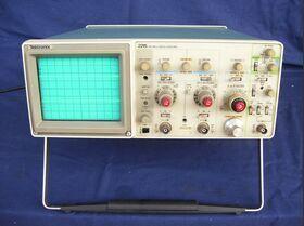 TEKTRONIX 2215 Oscilloscope TEKTRONIX 2215 Strumenti
