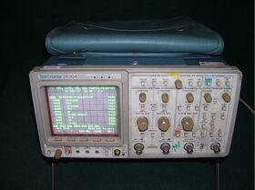TEKTRONIX 2430A Oscilloscope TEKTRONIX 2430A (da revisionare) Strumenti