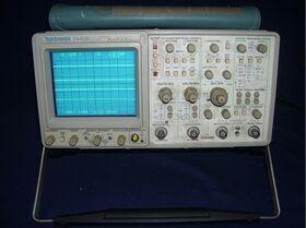 TEK 2445B opt. GPIB Oscilloscope TEK 2445B opt. GPIB Strumenti