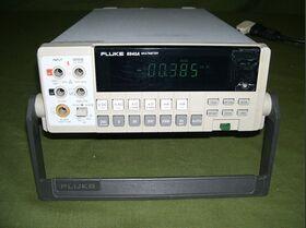 FLUKE 8840A Multimeter FLUKE 8840A -da revisionare Strumenti
