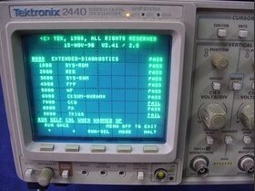 TEKTRONIX 2440 Oscilloscope TEKTRONIX 2440 -da revisionare Strumenti