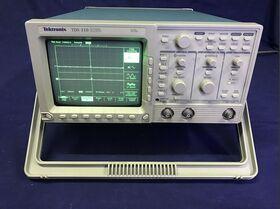 TDS 310 TWO Channel Oscilloscope TEKTRONIX TDS 310 Strumenti