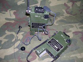 PRC112 Ricetrasmettitore di sopravvivenza Aeronautico MOTOROLA AN/PRC-112 Apparati radio militari