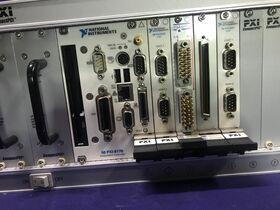 PXI Compact PCI 5210100208 Pickering PXI Mainframe PXI Compact PCI 5210100208 Completo di controllerPXI-8176 Strumenti
