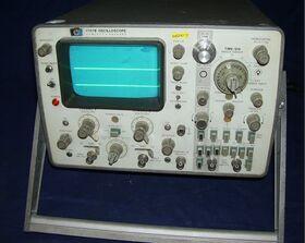 HP 1707B Oscilloscope HP 1707B Strumenti