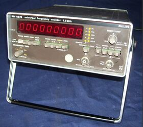 PHILIPS PM 6676 Universal Frequency Counter  PHILIPS PM 6676 Strumenti