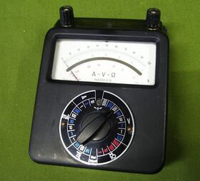 Multimetro in Bachelite -vintage Multimetro in Bachelite -vintage- SIEMENS 50,000 oHm/Volt Strumenti