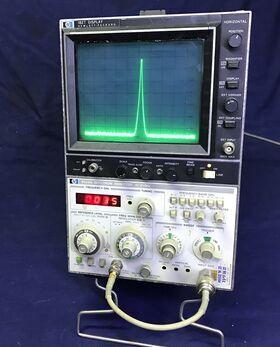 HP 8559A + HP182T Spectrum Analyzer HP 8559A + HP182T Strumenti